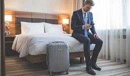 hotelroomman
